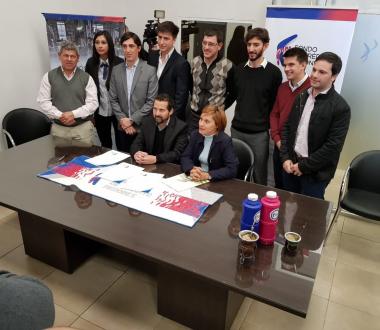 Firma de acuerdo entre Fondo de Crédito Misiones y Club de Emprendedores Oberá